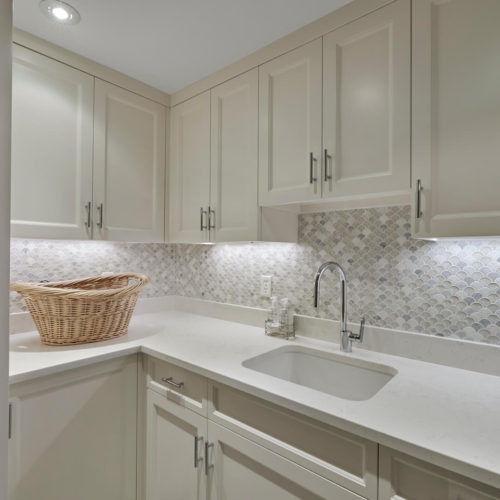 Quartz Counter Top Mosaic Tile Backsplash