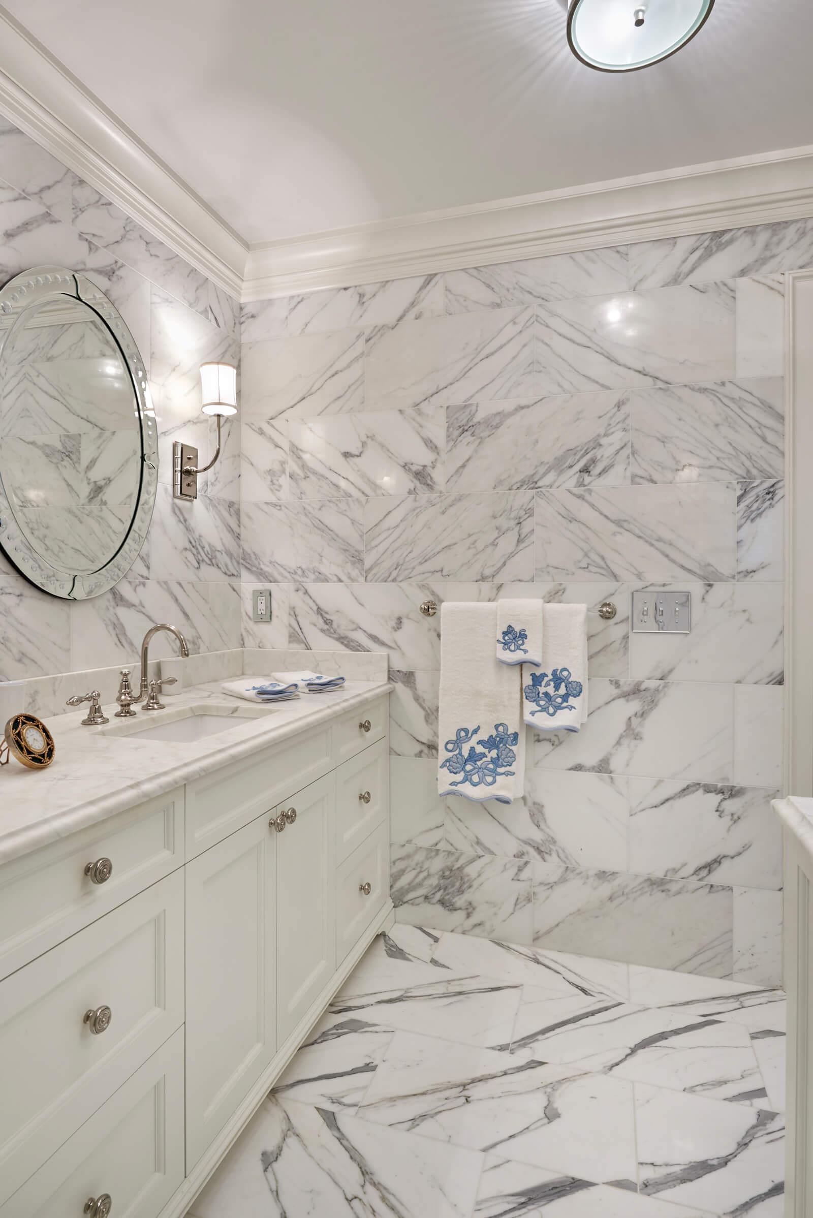 Calacatta Marble Floor and Wall Tile