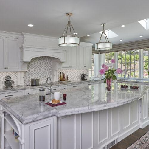 Marble backsplash, Newport white quartzite countertop