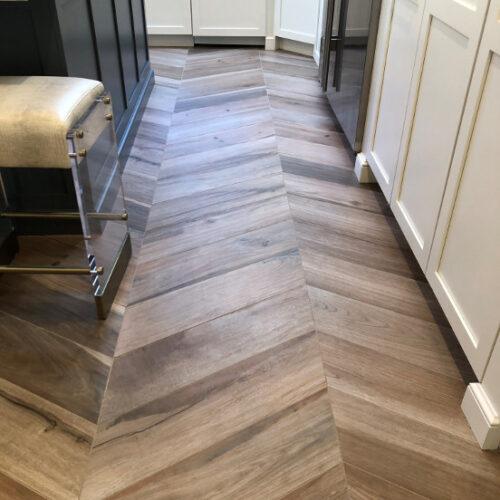 Porcelain wood-look tile Fordham Marble